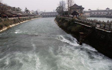 都江堰景区古建筑群图片