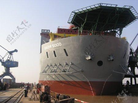 船舶起航图片