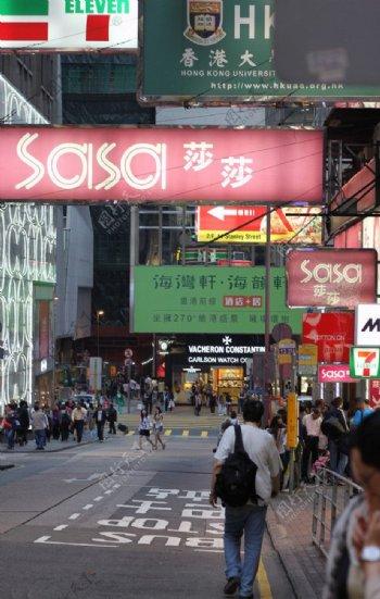 香港商业街人群图片