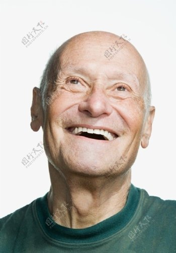 高兴的老年人表情图片