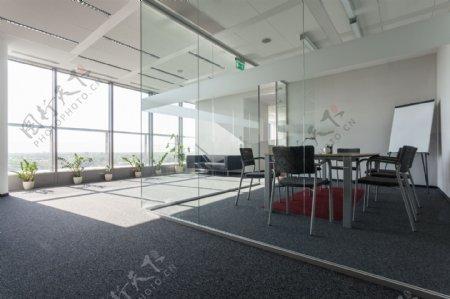 明亮的办公室设计图片