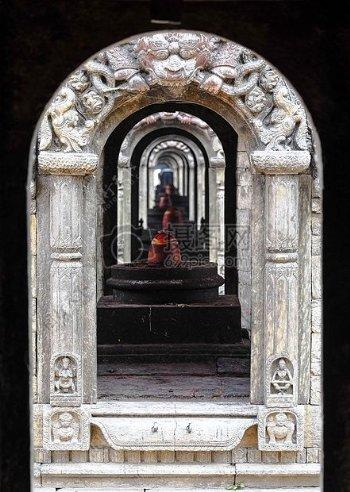 古老的拱形门
