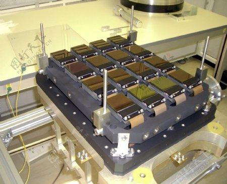 VISTA望远镜的16个红外感光单元阵列