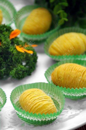 小吃泰式榴莲酥图片